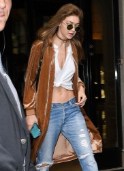 Gigi Hadid - Leaving her hotel in Paris| September 29th, 2016
