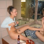 Two Girls are shaving their Pussies