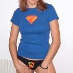 Renata zeigt ihre hübschen Titten