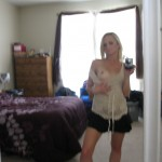 Sexy Blonde takes Selfpics